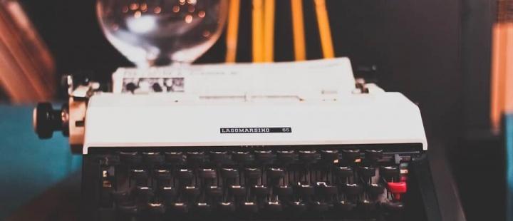 typewriter-1031317_960_720